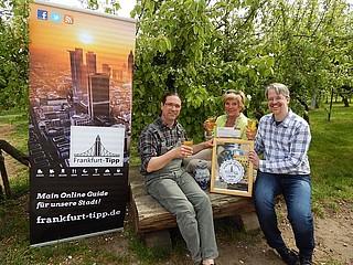 Frankfurt-Tipp überreichte die Urkunden 'Best of Apfelwein 2015'